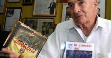 Juan Cavero Robles El hincha de #Emelec que compuso y cantó un tema para #Barcelona