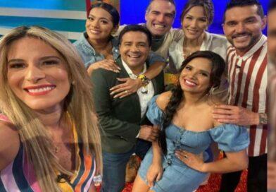 """Durante su participación en el programa """"En Contacto"""", Roberto Manrique dedica emotivas palabras a Efraín Ruales y Alejandra Jaramillo"""