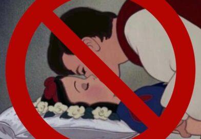 Periodista de cristal pide Cancelar Blancanieves porque el príncipe la besó mientras dormía y no fue consensuado