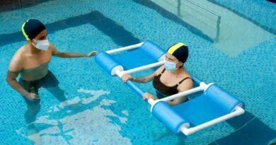 La terapia acuática mejora los problemas de cadera en adultos mayores