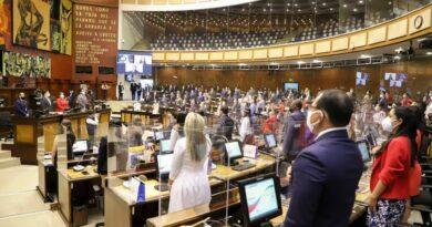 Doce asambleístas de minorías se unen al movimiento de Guillermo Lasso en la Asamblea Nacional